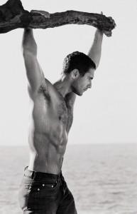 ethan_hawke_shirtless_02
