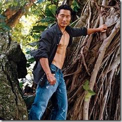 Daniel_Dae_Kim_shirtless_02