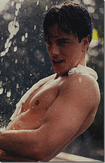 John_Barrowman_shirtless_02