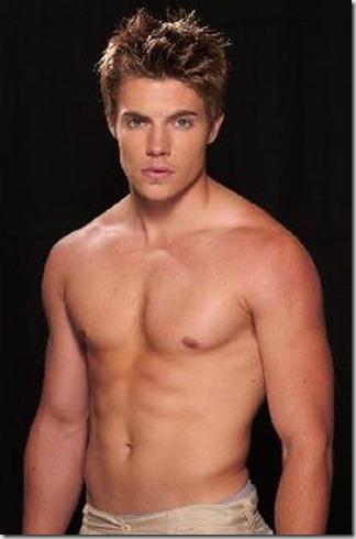 Josh_Henderson_shirtless_01