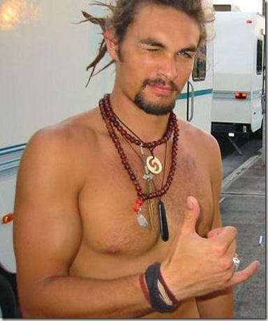 Jason_Momoa_shirtless_03