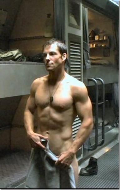Jamie_Bamber_shirtless_04