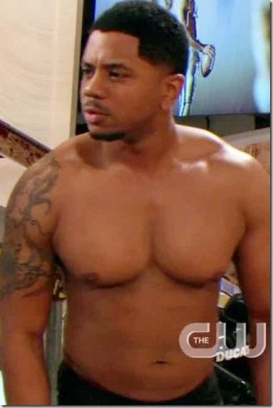 Hosea_Chanchez_shirtless_02