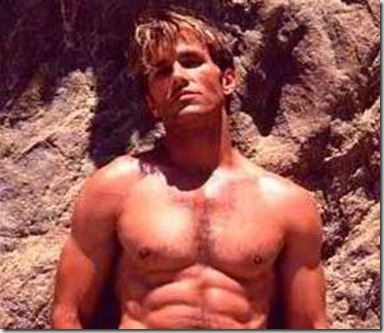 Scott_Reeves_shirtless_01
