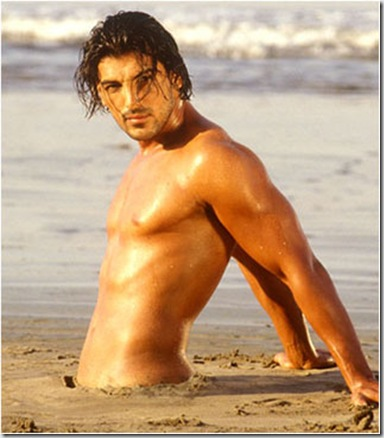 John_Abraham_shirtless_09