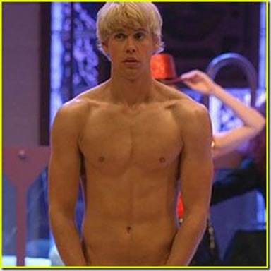 Chord_Overstreet_shirtless_08