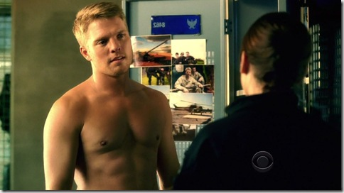 David_Paetkau_shirtless_05