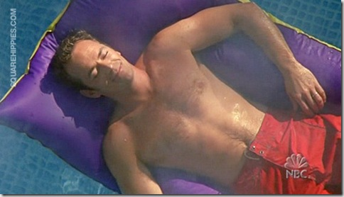 Luke_Perry_shirtless_01