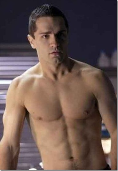 Sam_Witwer_shirtless_02