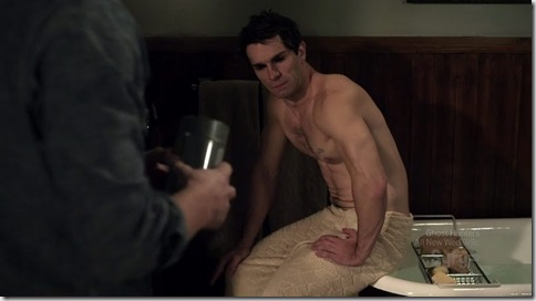 Sam_Witwer_shirtless_05