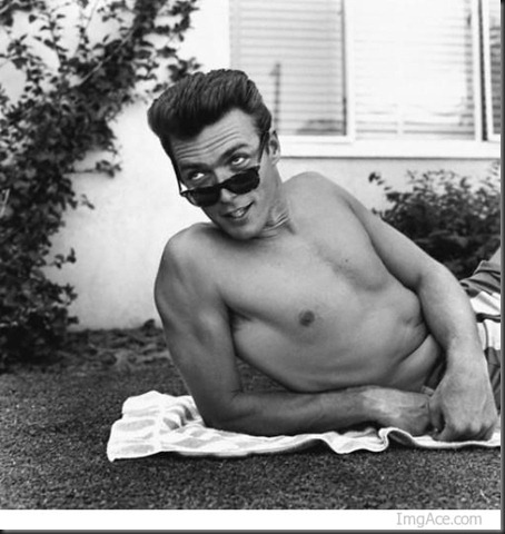 Clint_Eastwood_shirtless_10