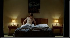 Eddie_Redmayne_shirtless_01
