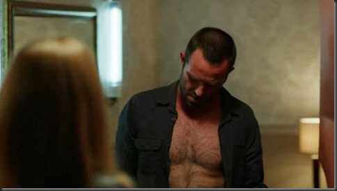 Sullivan_Stapleton_shirtless_38
