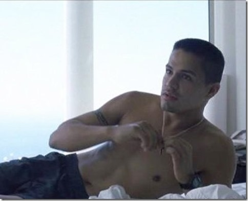 Jay_Hernandez_shirtless_06